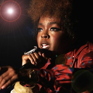 Lauryn Hill Hours Late For Show, Tells Fans She's Worth The Wait