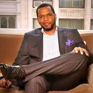 """2 Live Crew's Luther """"Uncle Luke"""" Campbell Closer To Mayor Seat, Seeks To Tax Strippers"""