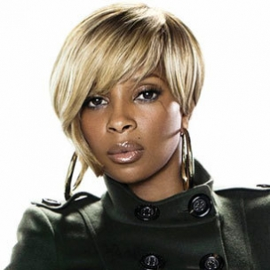 "Mary J. Blige Recalls Childhood Abuse, Alcoholism On VH1's ""Behind The Music"""