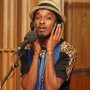 """K'Naan Discusses Nas' Comments About Africa And Explains Why Other Rappers Backgrounds """"Can't Hold A Candle"""" To His"""