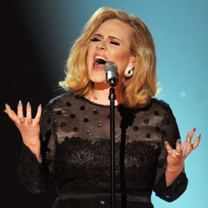 "Adele Says She Wants To Do A ""Hotline Bling"" Remix With Drake"