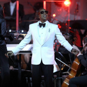 "Jay-Z Performs ""Glory"" During Carnegie Hall Show, Celebrates New York With Alicia Keys & Nas"