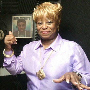 "J Dilla's Mother ""Ma Dukes"" Yancey Finally Details House Shoes Beef"