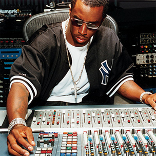 """Sean """"Diddy"""" Combs Hospitalized For Extreme Migraine"""