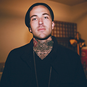 "Yelawolf Discusses His Project With Travis Barker, ""Psycho White"""
