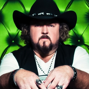 "Colt Ford Defends His ""Right To Tote"" Guns, Explains His Country-Rap Blend"