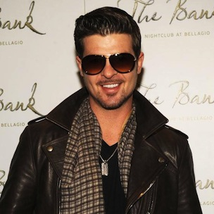 """Robin Thicke Says He Out-Sourced """"Blurred Lines"""" Production After Low Sales"""