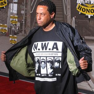 """DJ Yella Reveals Aborted Eazy-E Tracks & Why Dr. Dre Shelved """"Detox"""""""
