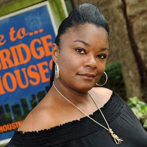 """Roxanne Shante Says Female Rappers Went """"From An Artist To A Commodity"""""""