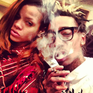 "Wiz Khalifa Says Rihanna Inspired ""28 Grams""; Rihanna Responds"