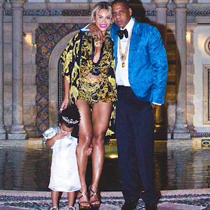 """Beyonce Wishes Jay Z """"Happy Father's Day"""" With Blue Ivy Picture"""