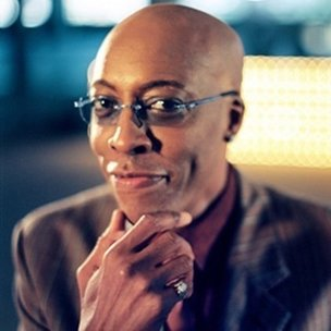 """Arsenio Hall Says Tupac's Personality Was """"A Unique Contradiction"""""""