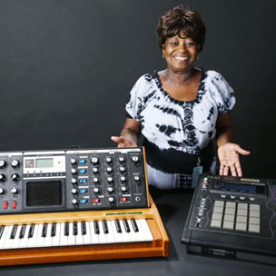 Tweets Is Watching: J Dilla's MPC Is Headed To The Smithsonian