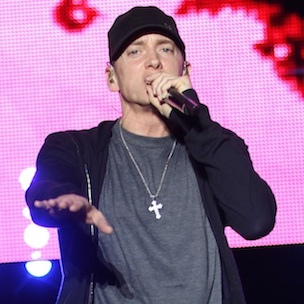 """Eminem Addresses Addiction Problems At """"The Monster Tour"""" With Rihanna"""