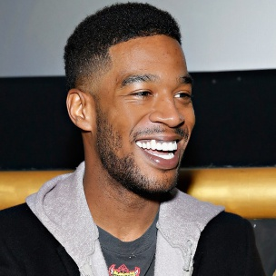 "Kid Cudi Brings Fans To See ""Star Wars: The Force Awakens"""