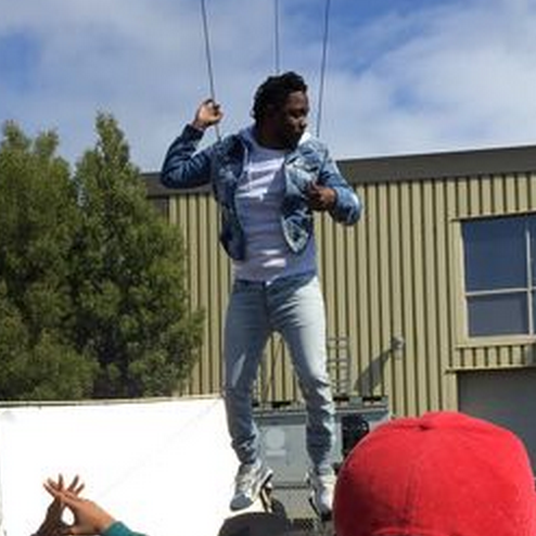 "Kendrick Lamar Films ""Alright"" Video & Covers Ebony"