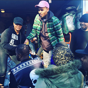 Chris Brown Hands Out Turkeys In South Jamaica, Queens For Thanksgiving
