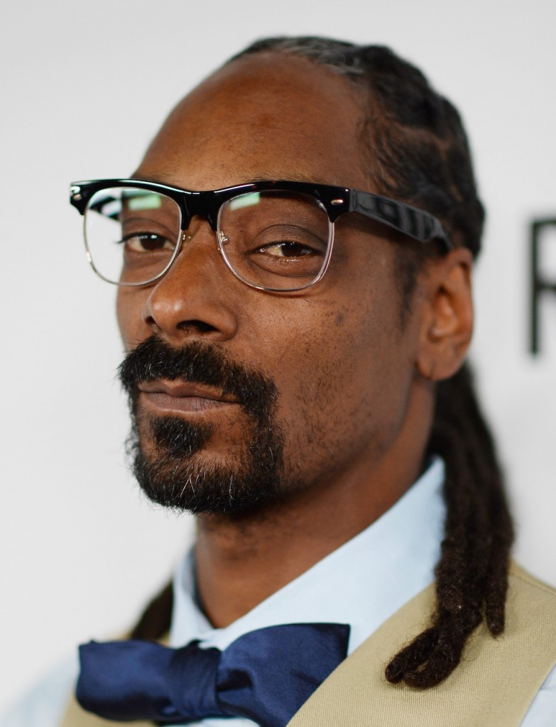 "Snoop Dogg To Host ""Turf'd Up"" Sports Talk Show Leading Up To Super Bowl 50"