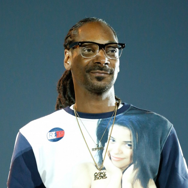 "Petition Requests Snoop Dogg To Narrate ""Planet Earth"""