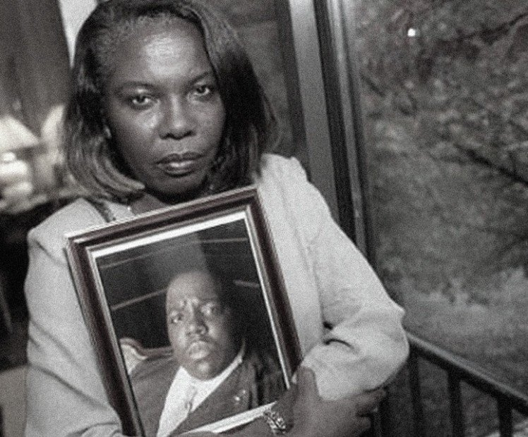 Biggie's mom knows Puff Daddy & Suge Knight were involved in