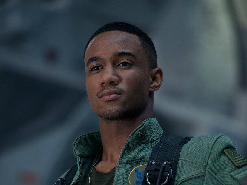 Almost Christmas Jessie Usher.Jessie T Usher Talks Will Smith S Legacy In Independence