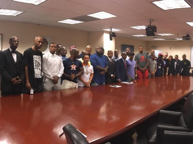 Houston Rappers Unite To Open Accounts At Black-Owned Unity National Bank