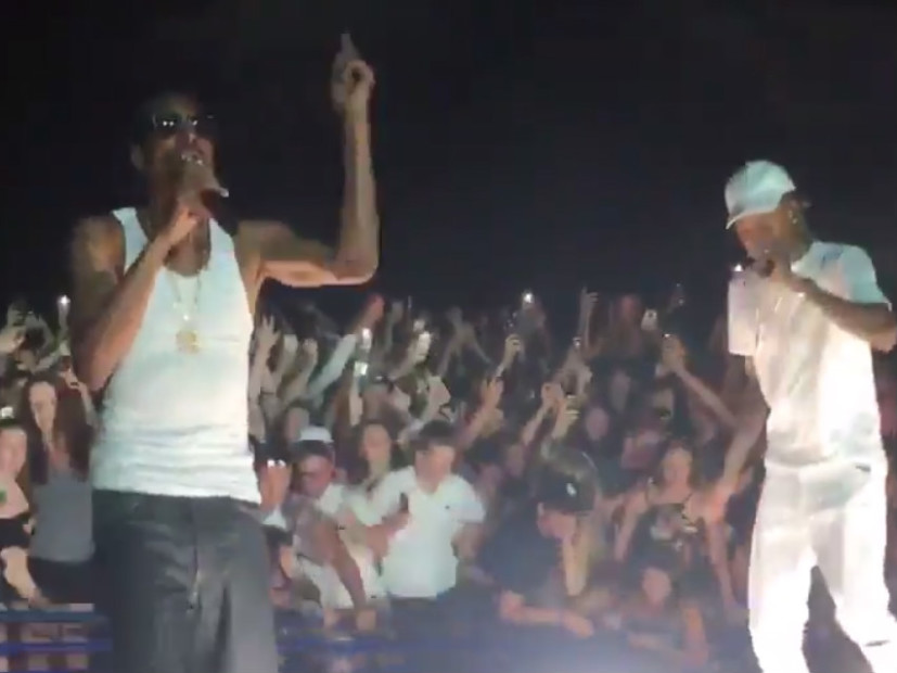 "Fans Reportedly Injured As Railing Collapses At Snoop Dogg & Wiz Khalifa's ""High Road Tour"""