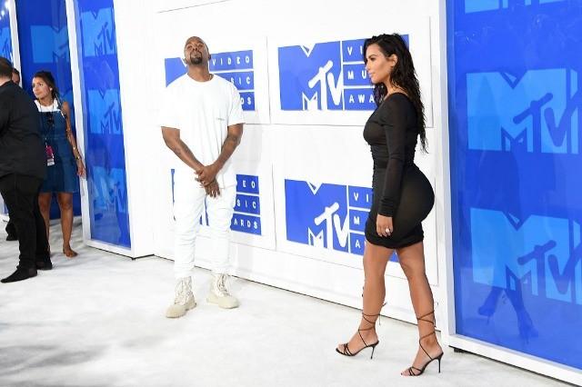 Kanye West & Kim Kardashian, Nicki Minaj & Meek Mill and More Hit 2016 MTV VMA's
