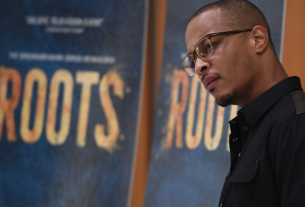 """T.I. Digs Into Floyd Mayweather For Proclaiming """"All Lives Matter"""""""