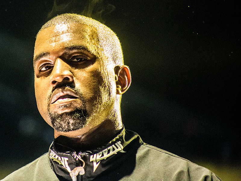 Kanye West Rants About Jay Z, Beyonce, Google, Obama, Clinton, Media At Concert & Then Leaves After 30 Minutes