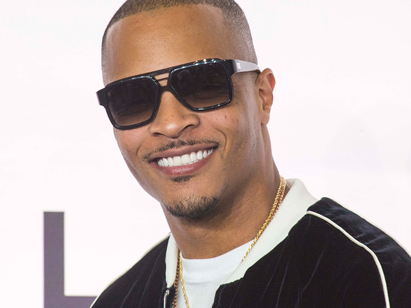 T.I. Serves As Santa For Children Of Incarcerated Parents