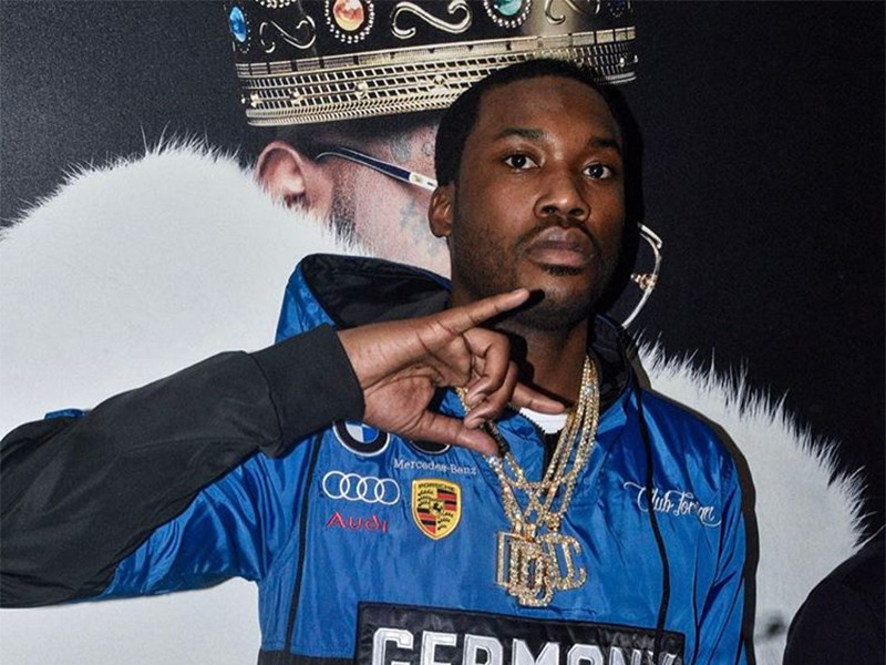 Meek Mill Lets Fans Know He's Not In Jail After Alleged Airport Fight