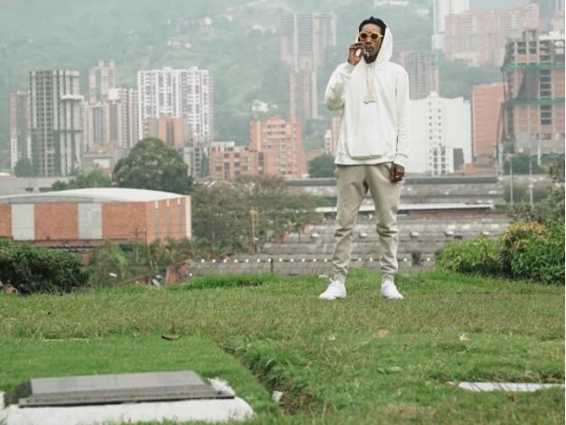 Wiz Khalifa Infuriates Colombian Mayor By Visiting Pablo Escobar's Grave