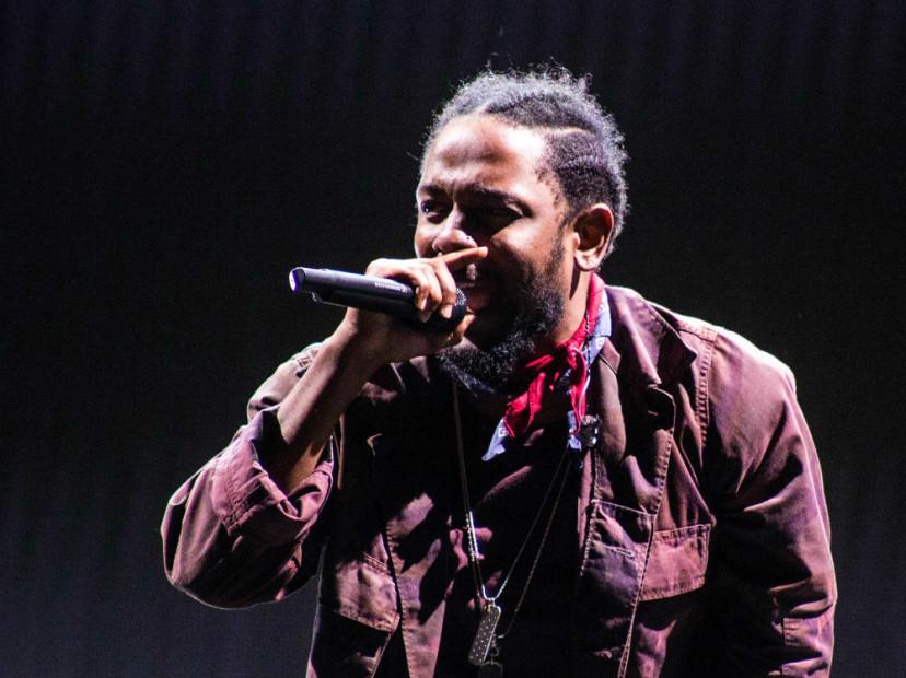 "Kendrick Lamar's ""DAMN."" Reigns For 2nd Week On Billboard 200"