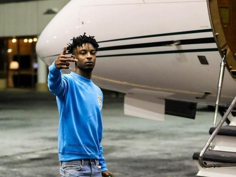 21 Savage Takes First Solo Flight With Girlfriend Amber Rose