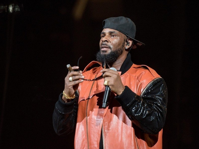 R. Kelly Pleads Not Guilty To 10 Counts Of Criminal Sexual Abuse