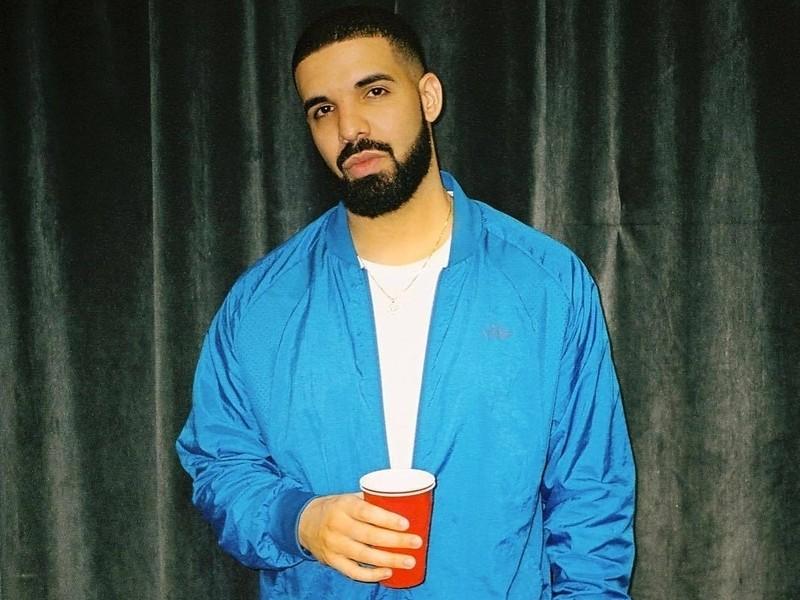 Wrath Of 6 God: Drake Blasts Creepy Fan For Groping Women