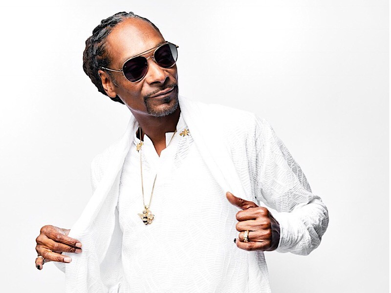 """Snoop Dogg Celebrates 25th Anniversary Of """"Doggystyle"""" With 2018 BET Awards Performance"""