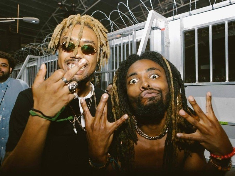 "EarthGang Completes Trilogy With ""Royalty"" EP"