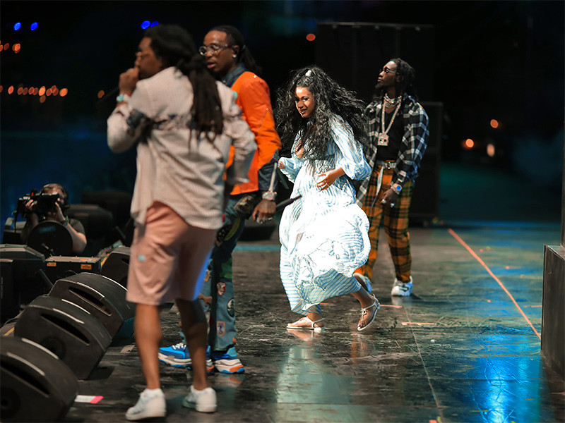 Coachella 2018: Cardi B Performs With Migos & Gets Pregnant Belly Pat From JAY-Z