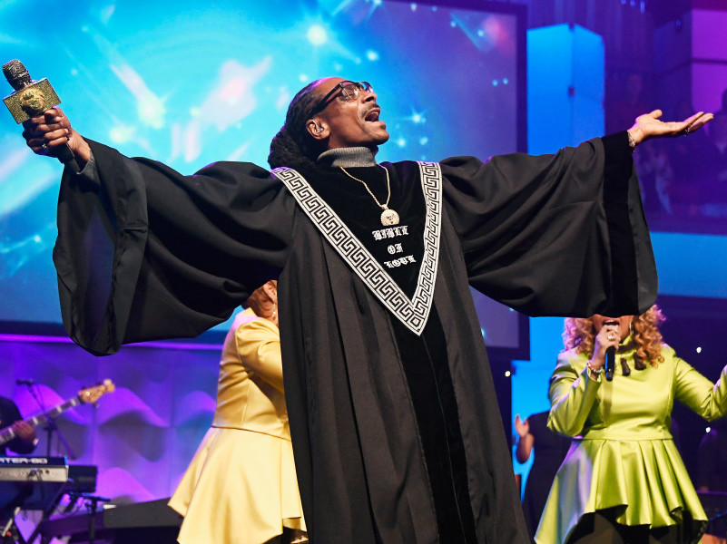 "How Snoop Dogg Embraced Preordained Hate To Create ""Bible Of Love"""