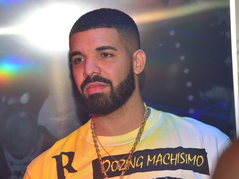 "Michael Jackson's Nephew Disapproves Of Drake's ""Don't Matter To Me"""