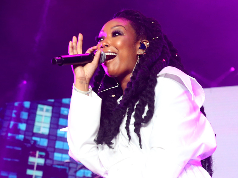 "Brandy Reminds Essence Festival Crowd ""The Boy Is Mine"" Isn't Monica's Song, It's Hers"