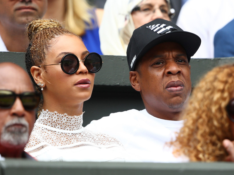 Fan Rushes Stage At Beyoncé & JAY-Z's OTR II Tour Stop In Atlanta