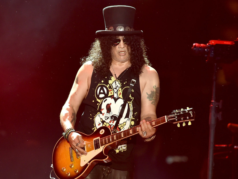 "Guns N' Roses' Slash Disses Hip Hop For Being ""Generic"" & ""Top 40"""