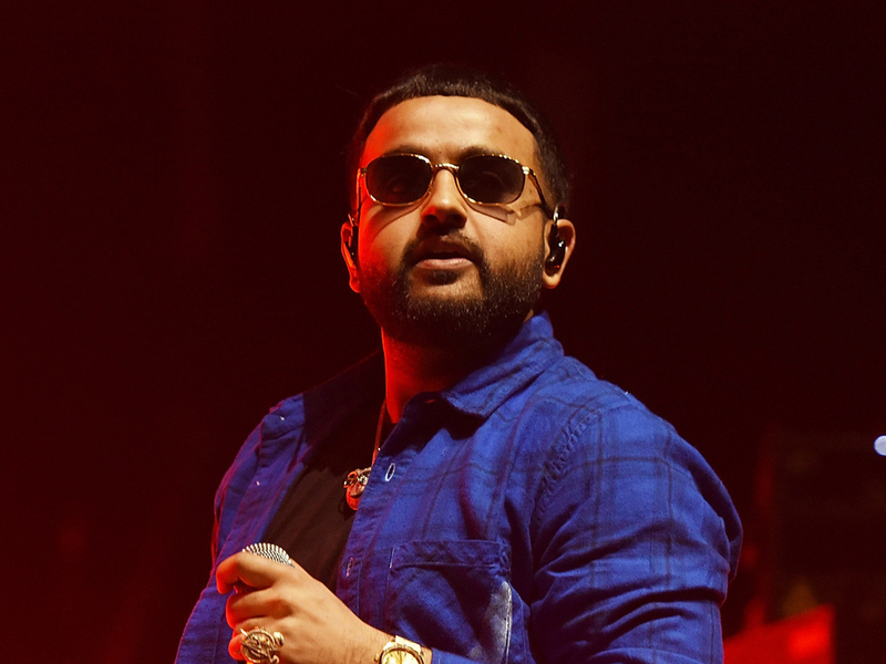 "Hip Hop Album Sales: NAV's ""Bad Habits"" Nabs No. 1 Billboard 200 Spot"