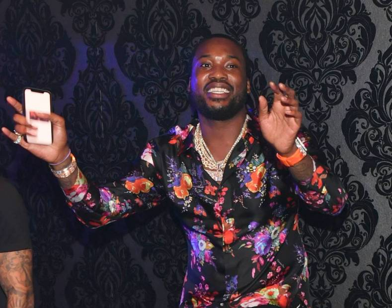 Meek Mill Posts Hilarious Tweets About Instagram's Shutdown