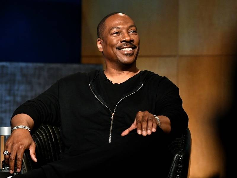 "Eddie Murphy To Host ""Saturday Night Live"" For 1st Time In 35 Years"