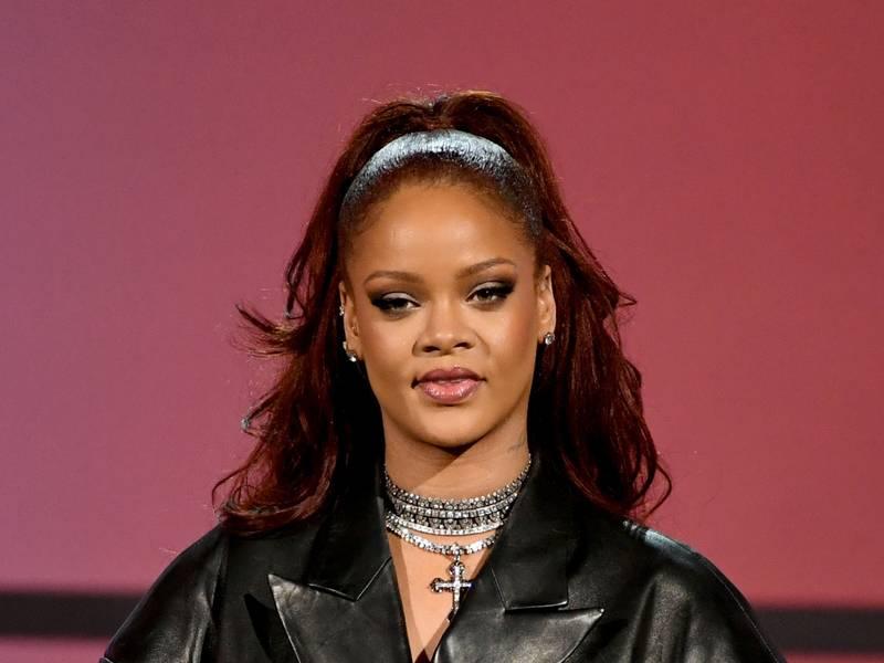 Rihanna's New Album To Drop In December?