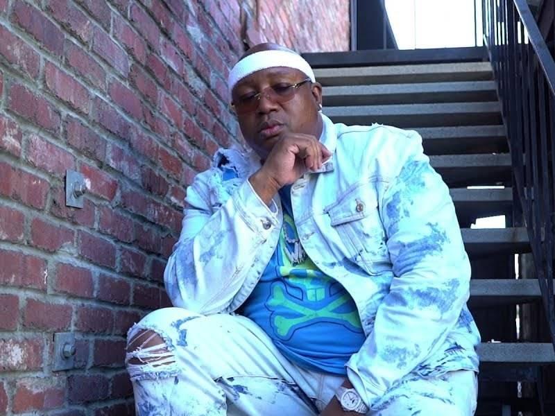 "E-40 Grabs Chris Brown, Rick Ross & Jeremih For ""1"" Video"